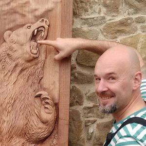 Oleg Peresvet, the master carver.