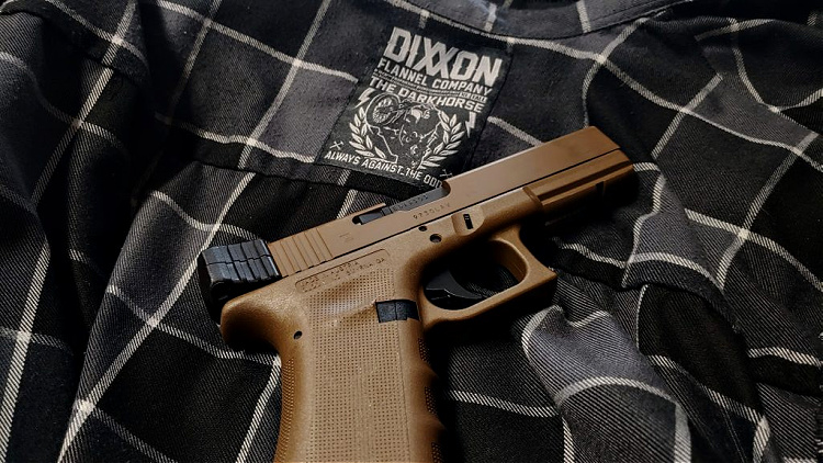 Dixxon flannel shirt with Glock 17