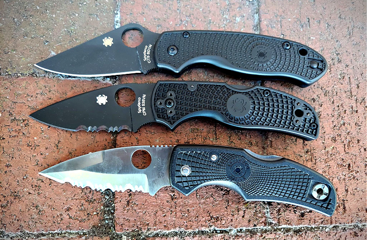 Top knife is the Spyderco Para 3 for comparison. The bottom knife is an early Native (note the pronounced swedge). The middle is the Native 5.