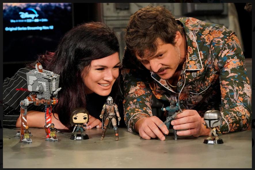 Pedro Pascal and Gina Carano play Din Djarin and Cara Dune